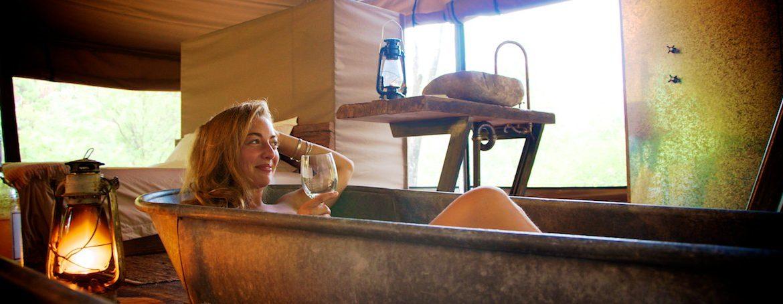 vintage-bath-nightfall-wilderness-camp-queensland